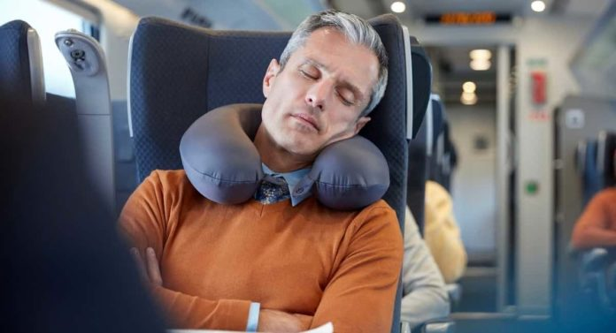 How to Prevent Jet Lag & Reduce Its Effects