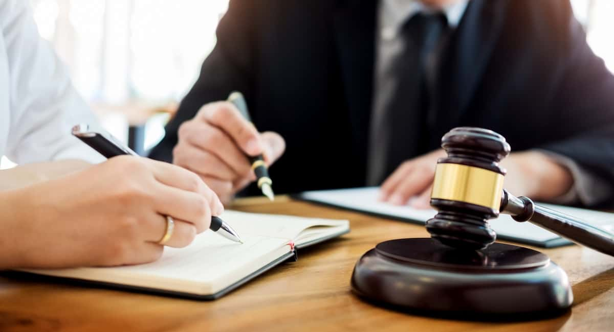 Things to Consider When Choosing a Criminal Defense Lawyer