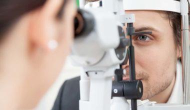 getting eye surgery