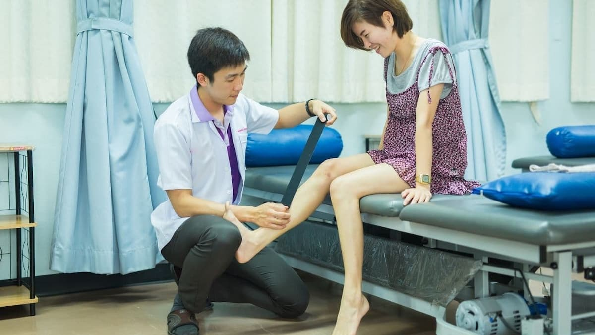 are physical therapists doctors